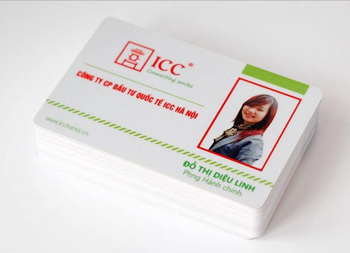 Làm thẻ nhân viên ở thành phố Hồ Chí Minh chỗ nào thì rẻ và chất lượng ?