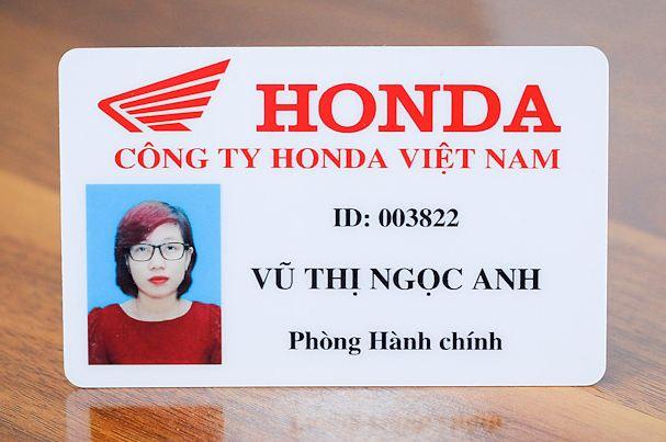 In thẻ nhựa nhân viên số lượng lớn HCM